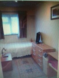 Furnished single room in Tilgate/Crawley