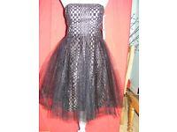 Beautiful Vera Wang Dress Size 6