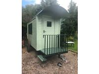 TRADITIONAL SHEPHERDS HUT IDEAL FOR CHRISTMAS !!