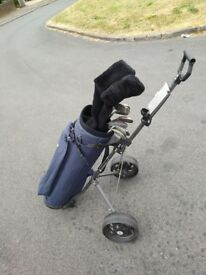 Full set of howden golf clubs