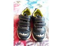Boys Clarks Shoes Size 7 1/2 e
