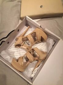 NEW ALDO shoes Size 4 in box