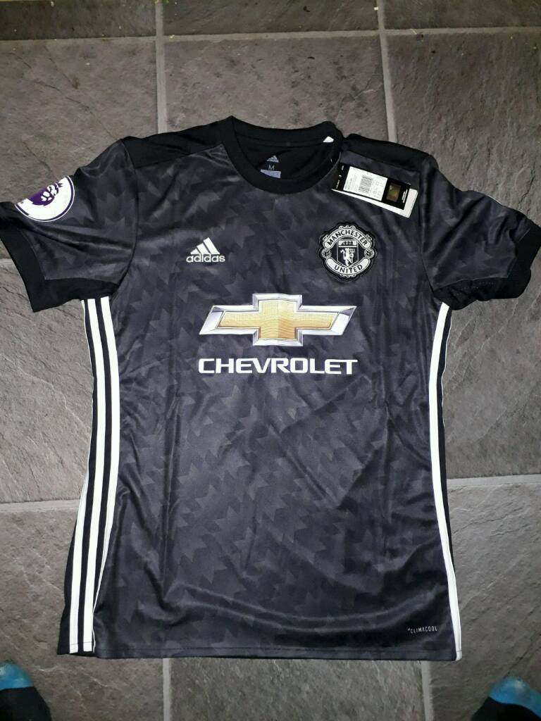 Manchester United shirt away