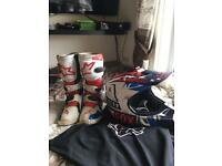 Kids motocross boot an elmet