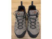 Men's Merrell Walking shoes, size 8.5 / 43. Goretex Upper with Vibram sole