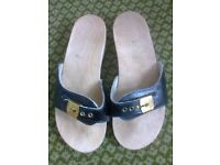 SCHOLL BLACK SANDALS SIZE 5
