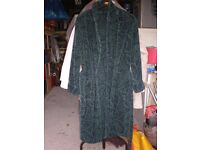 MANS THICK DRESSING GOWN LIKE NEW LARGE