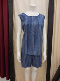 Brand new sleeveless top with matching shorts - Size Large