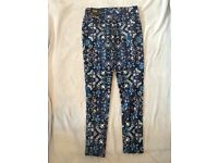 BRAND NEW NEWLOOK PATTERENED WOMENS TROUSERS, SIZE 8