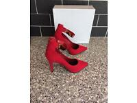 Gorgeous brand new red high heels size 5