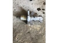 Land rover discovery master brake cylinder
