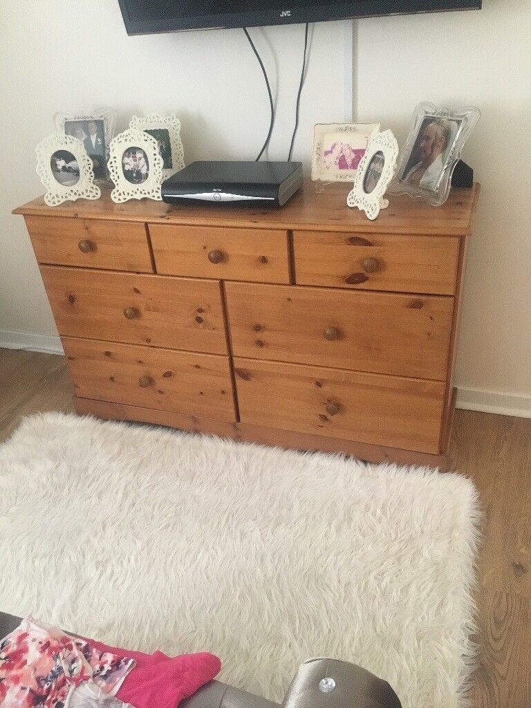 2 x 15 sets of drawers and 1 x 7 set of drawers. Solid oak pine