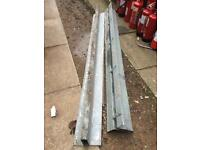 Steel cavity lintel