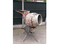 cement mixer Belle petrol (Honda engine) with stand in working order