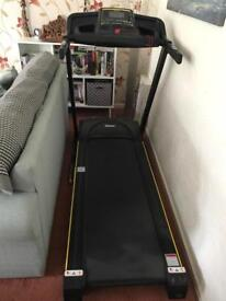 Reebok. Treadmill . Electric. Auto incline.