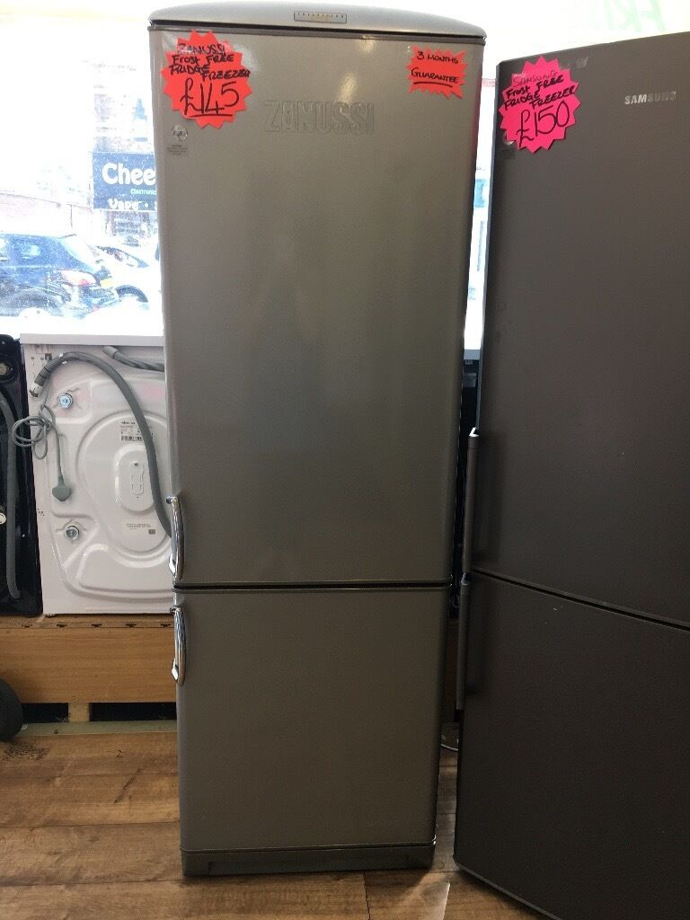 ZANUSSI FROST FREE FRIDGE FREEZER IN SILIVER