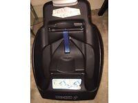 Maxicosi Cabriofix car seat with ISOFIX base