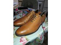 Samuel Windsor Men's 8.5 Full Leather Tan £10