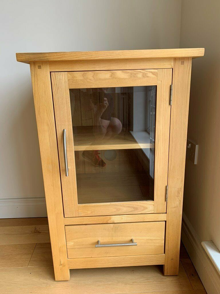 Solid Oak Hifi Display Cabinet In