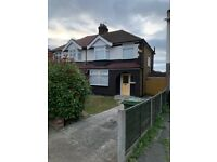 3 BEDROOM HOUSE TO LET IN ROMFORD RM1 3NH PARKSIDE ROAD!!!!