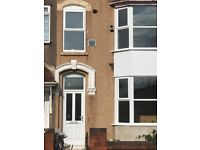 Grimsby/Cleethorpe border-Double room available with houseshare,and long garden,all facilities