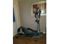 Pro Form 400 ZLE Elliptical Cross Trainer like NEW