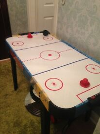 Air hockey table, excellent condition