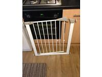 Lindam baby gate guard in Walthamstow
