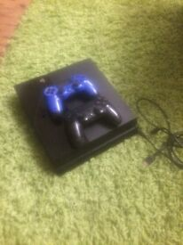 PS4 with 2 controllers and fifa 2017