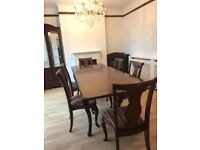 English Mahogany Rectangular Extending Dining Table With 6 Custom Chairs