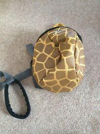 LIKE NEW Little Life giraffe rucksack with reigns