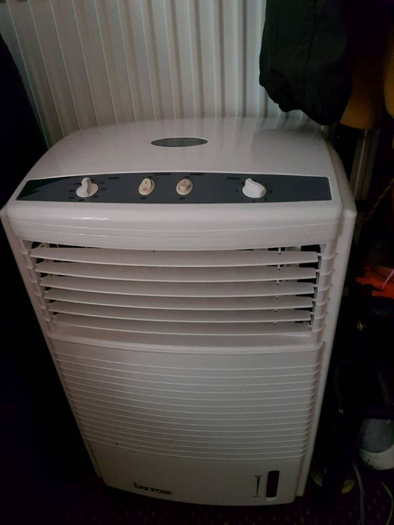 Benross portable air coolerin Hull, East YorkshireGumtree - Features 3 Speed Settings.Control Panel.7L Water TankFixed or Auto Slats.60WVoltage 220~240v1 Hour TimerWater consumption 0.45L per hour.Swing Option.Dimension 62cm x 30cm x 40cm approxIf interested please text me on 07506768650
