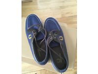 Fred Perry Navy Boat Shoes Size 7 As New Trainers