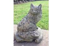 CUTE VINTAGE WELL WEATHERED CONCRETE CAT GARDEN ORNAMENT/STATUE