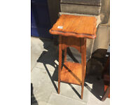 Oak Plant stand , good condition. feel free to view W12 in D 12 in H 36 in
