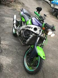 Kawasaki zx6r street fighter