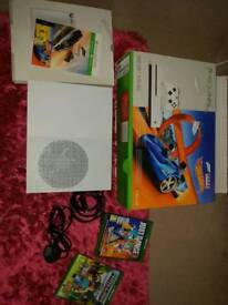 Xbox one s with box 3games controller