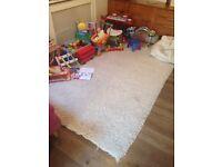 White shaggy rug