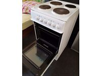 Electric freestanding cooker Indesit. Less than 1 year old. Clean. Almost new. Delivery available