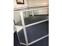 Compact Corner Glass and Mirror Shop Retail Display Cabinet Counter