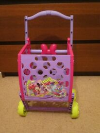 play kitchen & shopping trolley