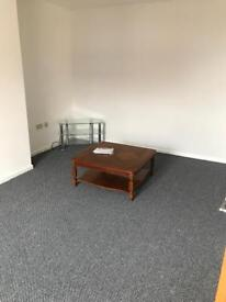 Immaculate 1 Bed flat in Town Centre