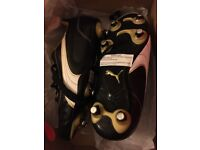 BNIB Puma Kratero rugby boots size 2