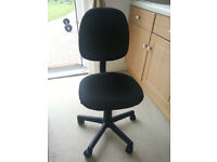 Black computer chair never used