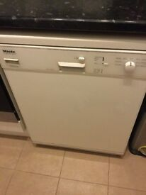 Miele Dishwasher G646 SC plus for parts, not working