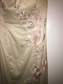 FORMAL GOWN NEVER WORN SIZE 10 JANE NORMAN