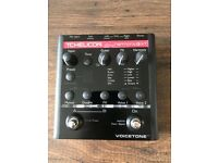 TC helicon voicetone harmony-G XT vocal/guitar processor