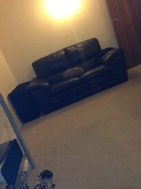 2 seater & 3 seater leather sofa - brown/ black - excellent condition