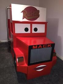 Mack the truck single bed