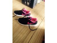 Girls size 13 Nike trainers
